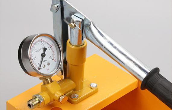 【超钜微检】氮氢检漏仪与直压法气密性检测装置有什么不同?关键是看检测精度、检测速度、漏点定位能力